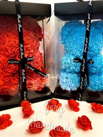 Мече от рози в кутия 25СМ.