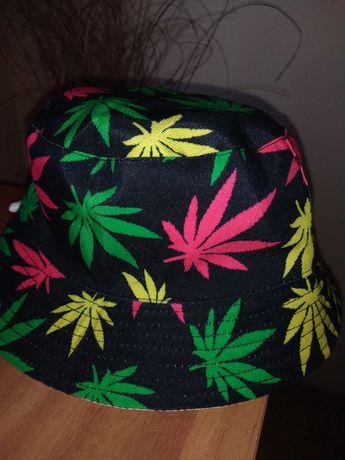 Bucket hat cu 2 fețe