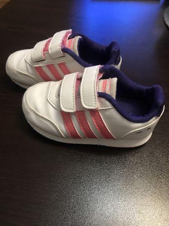 Маратонки Adidas н.23
