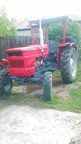 Vând Tractor 445