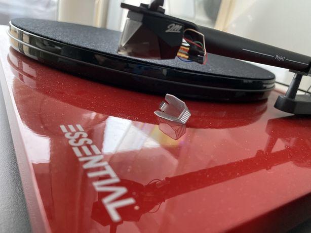 Pickup ProJect Essential III Digital cu doza Ortfoon 2M silver