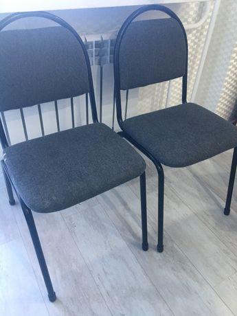 Продам стулья и табуреты
