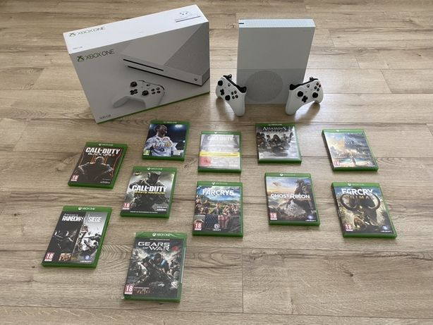 SUPER PRET - Xbox One S 500 GB Full Box + 2 manete + 11 jocuri