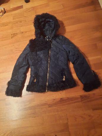 Продаю куртки молодежные на осень и зиму,брюки  чёрные клеш .