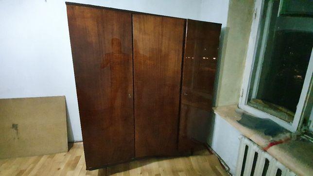 Продам платенный шкаф