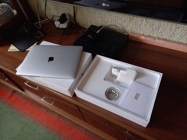 Apple Macbook PRO 13 2019 RETINA/Silver/SSD 128GB/+3переходника/макбук