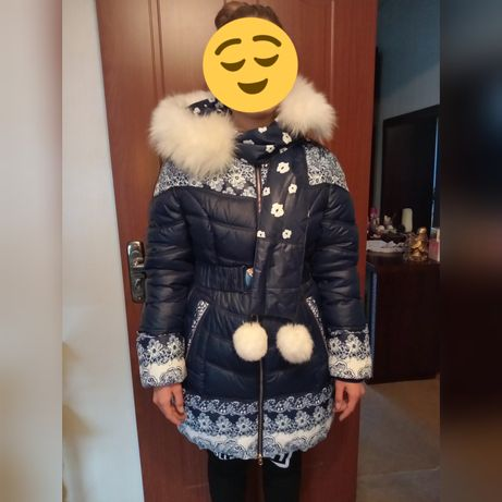 Продам две красивых куртки для девушек.