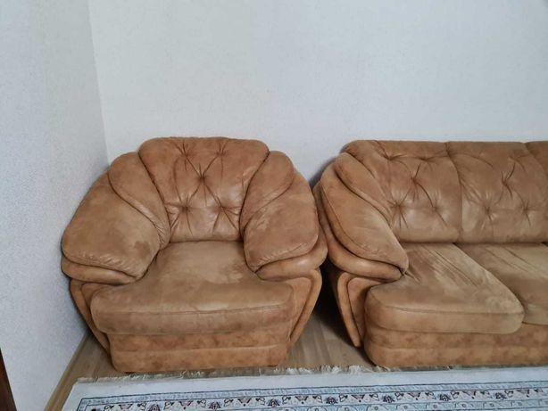 мягкий уголок с креслами