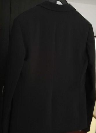 Продавам ново елегантно дамско черно сако