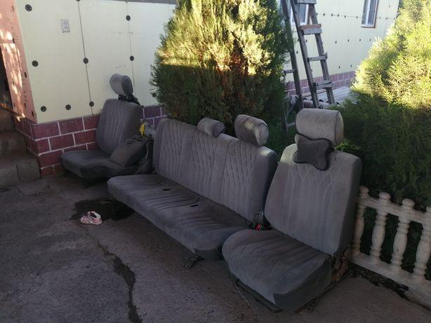 Сиденья на Land Cruiser GX (105)