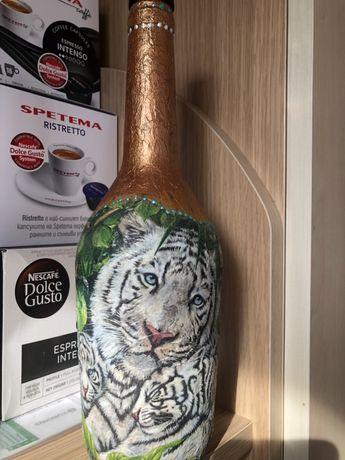 Ръчноизработена бутилка декупаж