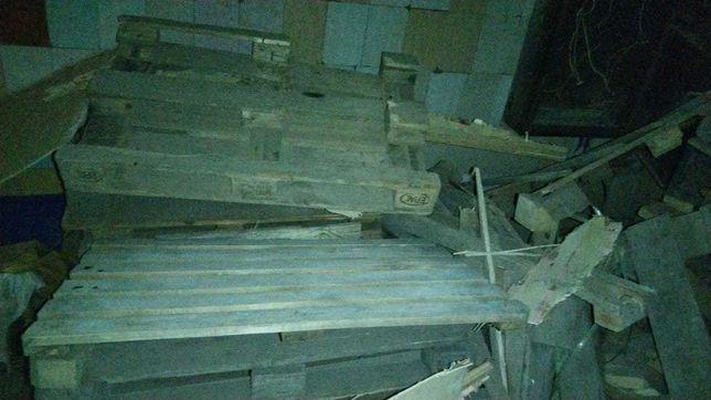 Б/У Палеты, брусы и деревяшки на дрова в нормальном состоянии