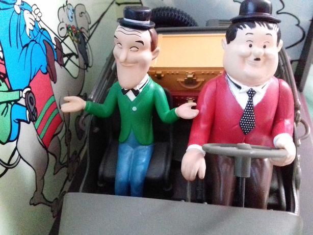 Stan și Bran în Jeep Willys, scara 1/18
