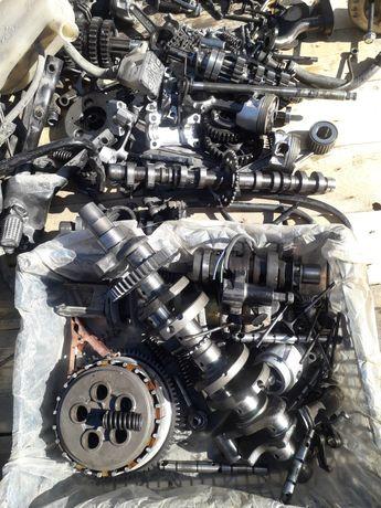 Продам двигатель Сузуки по запчастям