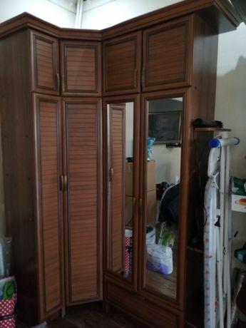 Шкаф угловой прихожка из дерева 50000