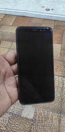 Samsung A8 в хорошем состоянии