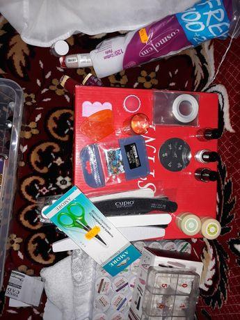Kit unghii gel/ 650 lei totul
