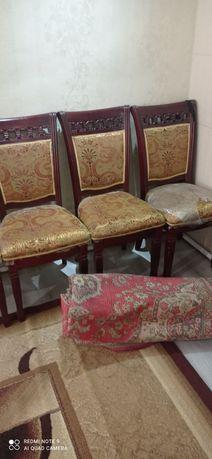 Продам стулья в количестве 5 шт
