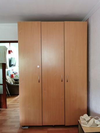 Шкаф для вещей и одежды