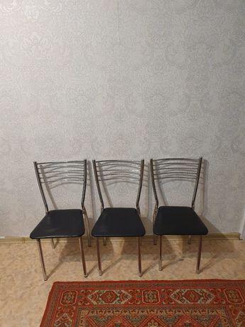 Продам стулья для гистиной