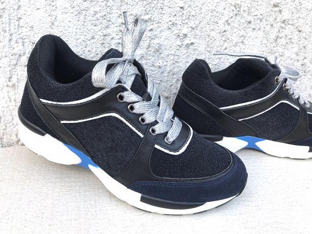 Демисезонные кроссовки Chanel.