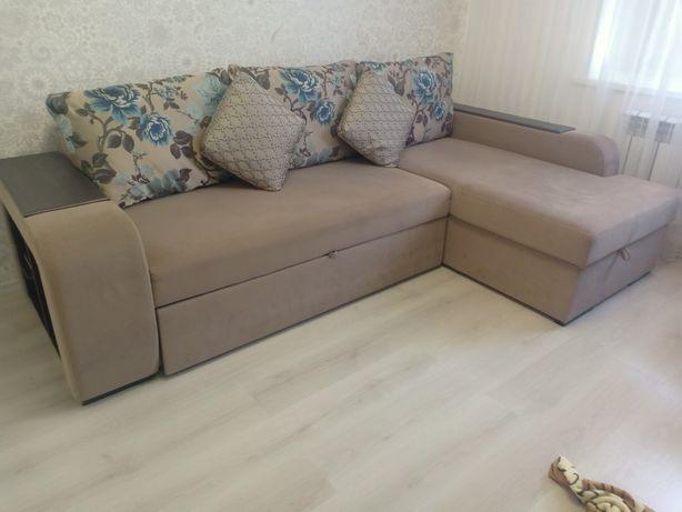 Современный угловой диван