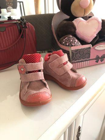 Продам ботинки на осень/весну
