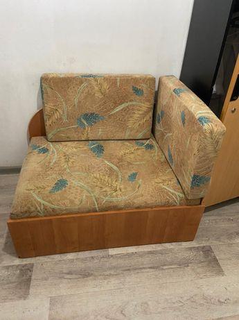 Продам диван,шкаф,рабочий стол