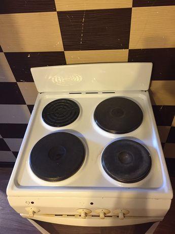 Продам Кухонную плиту Delux