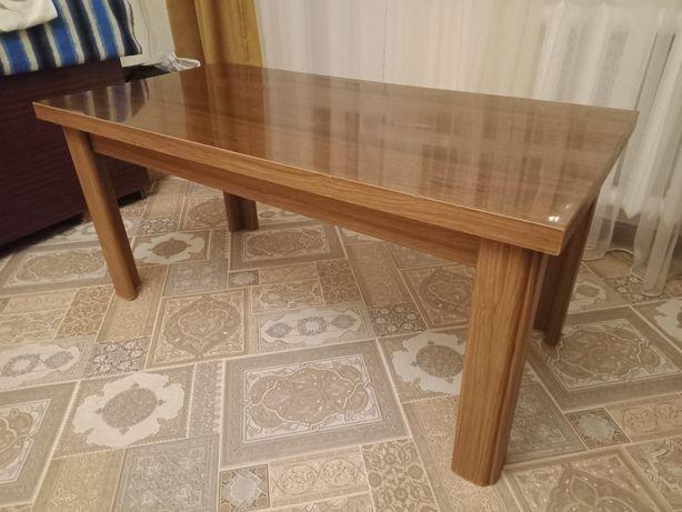Журнальный столик, в отличном состоянии. Производство Германия.