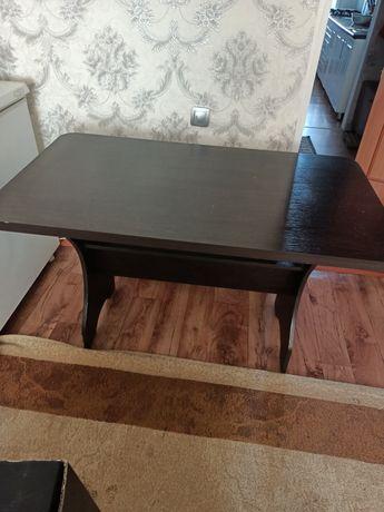 Продам кухонный стол,детскую стенку