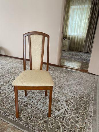 Продам 12 стульев новые