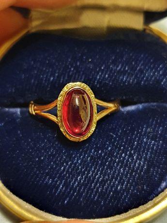 Inel aur 18k cu rubin natural caboson