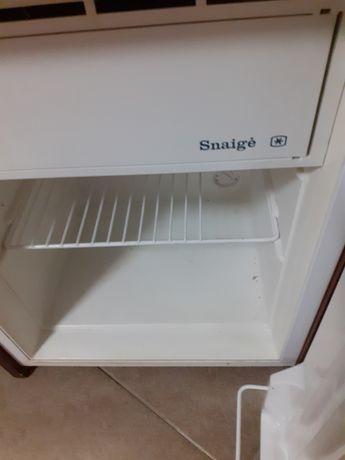 Холодильник Samsung и мини барный холодильник