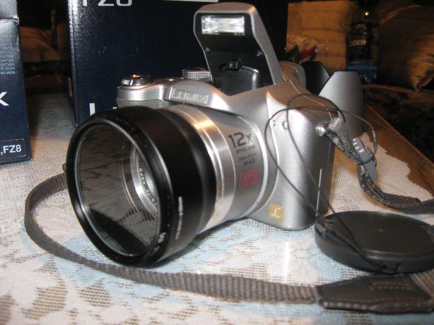 Aparat foto digital Panasonic Lumix DMC-FZ8