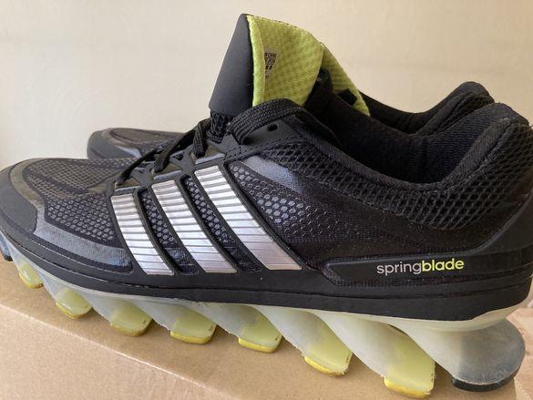 Маратонки. Adidas