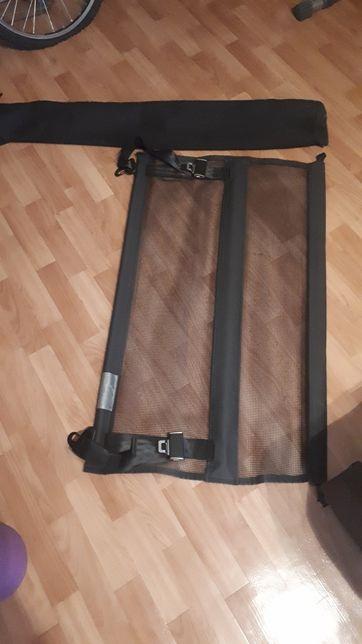 Разделителная сетка багажного отделения на Audi Q5
