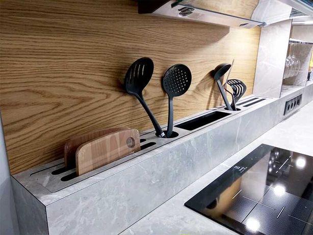 Кухня, фартук, столешница в наличии