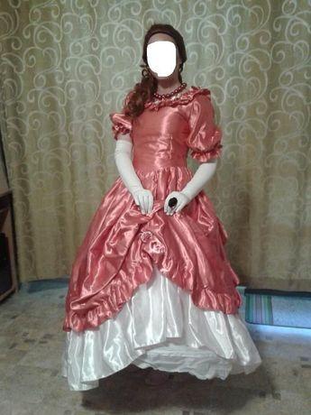 Уникални бални рокли във викториански стил от Англия