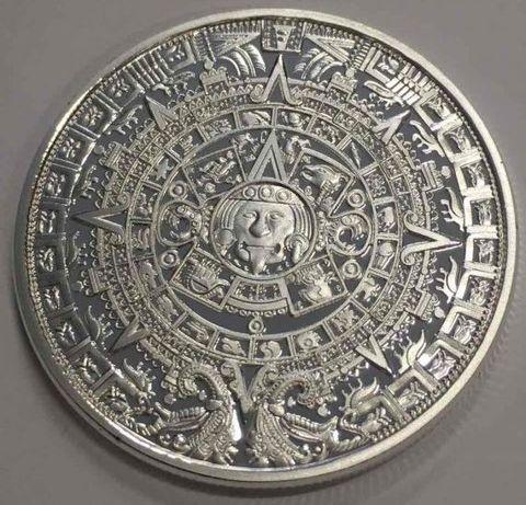 Посребрен календар на маите