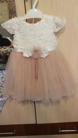 Платье нарядное на девочку. 74-80р