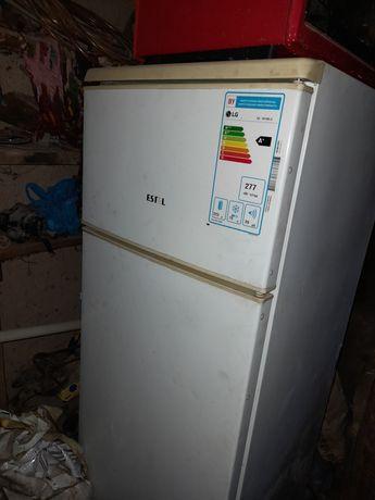 Холодильник Estel