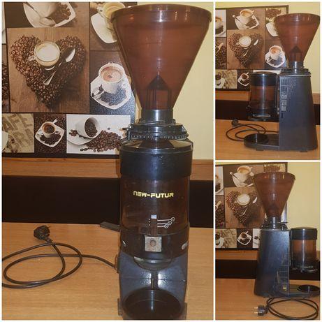 Принадлежности за кафе машина професионал и кафемелачка