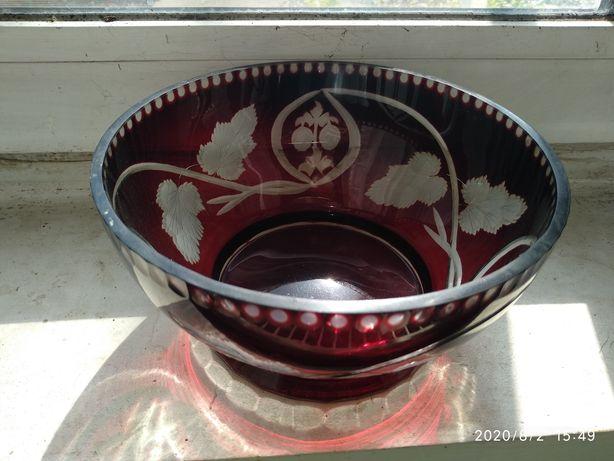 Bowl crystal roșu 19.5cm dia.