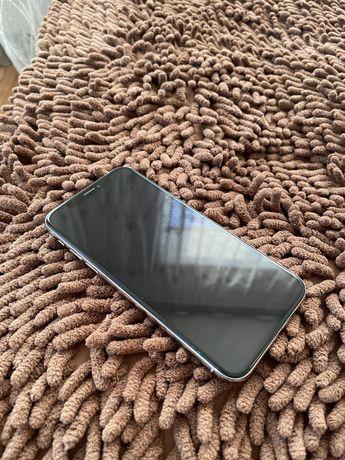 Iphone X, белого цвета, состояние хорошое