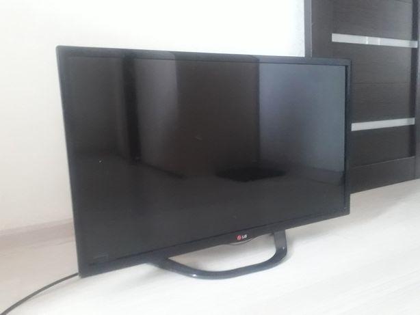 Продам телевизор LG. 2014 год. Диагональ 32(81см)