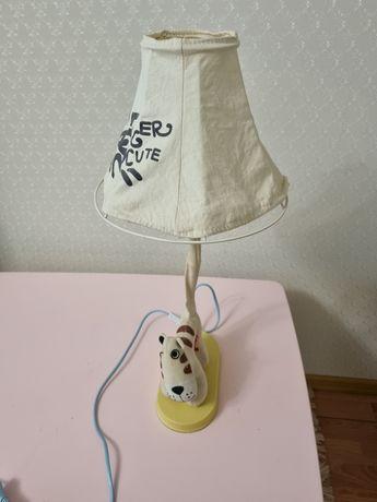 Продам настольный светильник