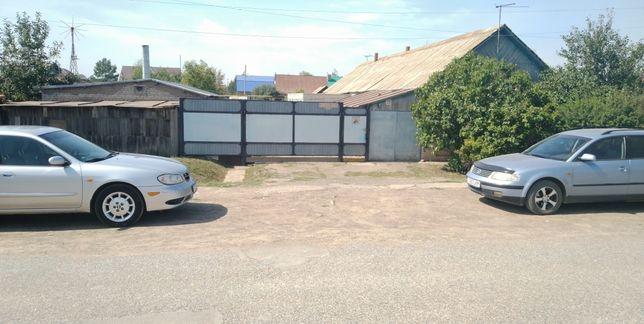 Продам два дома в одном дворе, + гараж, сарай и тд