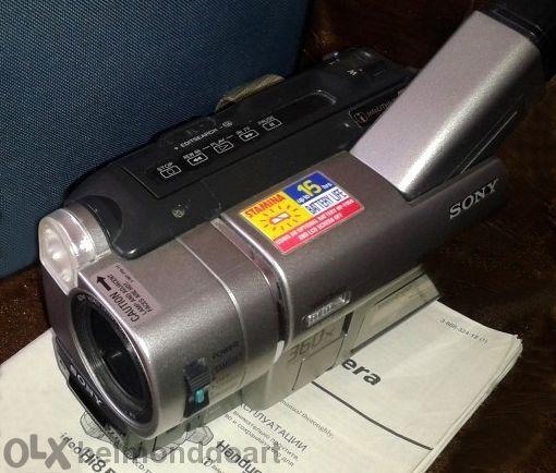 Продавам видео камера Сони или бартер за лаптоп с камера и микрофон