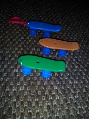 Skateboard breloc mini skateboard de jucarie